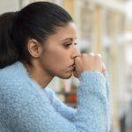 Depression – Definition, Symptome, Behandlung, Ursachen & Anzeichen