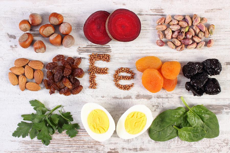 Wichtig: Genügend eisenhaltige Lebensmittel in die Ernährung einbauen Stockfoto-ID: 130614209 Copyright: ratmaner/Bigstockphoto.com