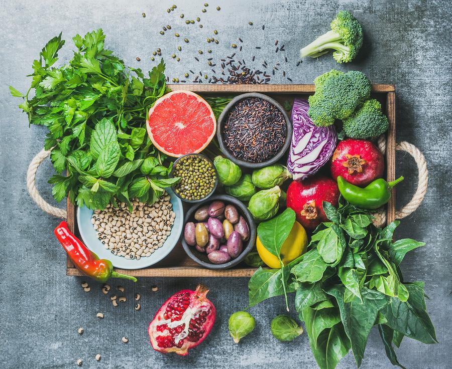 Eine gesunde Ernährung ist die Basis, Superfoods sollten eine sinnvolle Ergänzung sein! Stockfoto-ID: 175606618 Copyright: sonyakamoz/Bigstockphoto.com