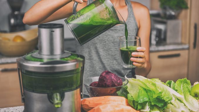 Tolle Variante mit vielen Rezepten: Vegane grüne Smoothies Stockfoto-ID: 206212198 Copyright: Maridav/Bigstockphoto.com